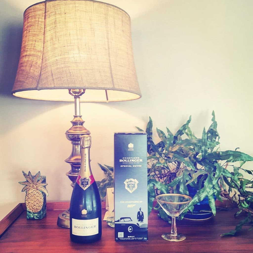 007 bollinger champagne and Vintage Coupe